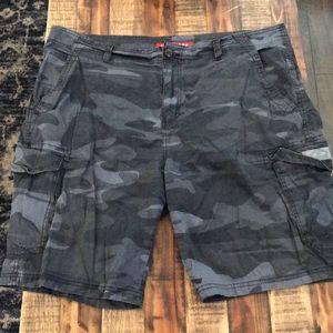 Union bay men's Camo cargo shorts 42